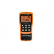 U1733C Ручной измеритель иммитанса (LCR), измерительные частоты 100 Гц, 120 Гц, 1 кГц, 10 кГц, 100 кГц